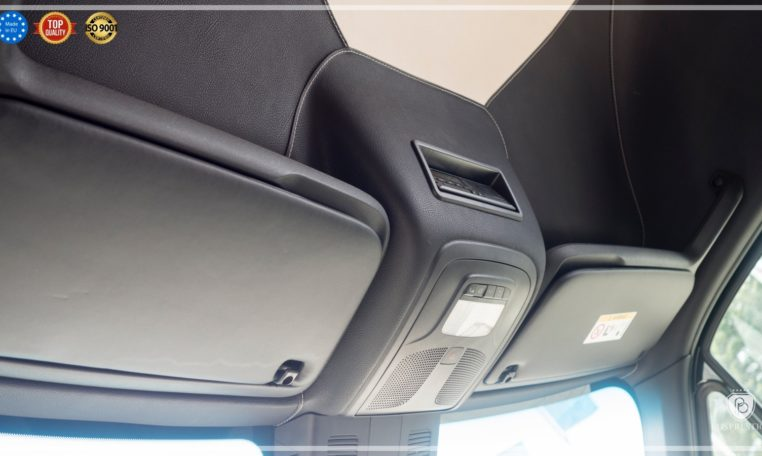 Mercedes Luxury Sprinter Bus Roof Leather Upholstery