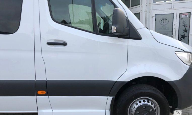 mercedes bus urban edition entry door